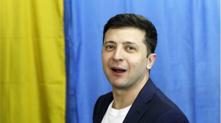 "Votezi? Bobonete Mihai, președintele României? ""Mai fac fo doua, trei sezoane de Las Fierbinti si abia atunci ..."" 2"