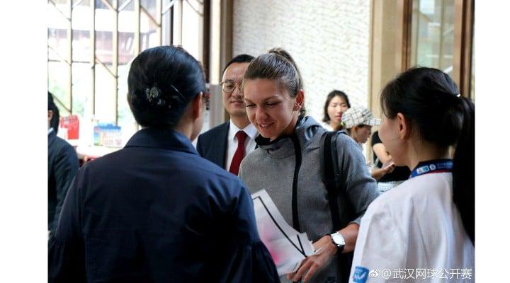 (Foto) Simona Halep a ajuns în China. Primire de gală pentru numărul 1 mondial 1