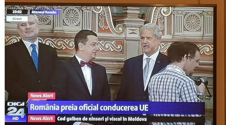 "(Foto)  Iohannis, ""James Bond is back"" Paula Rusu: ""La tinutele din seara asta: Iohannis - 10, Ciolos - ca un ciumpalac fara cravata, Viorica ..."" 4"