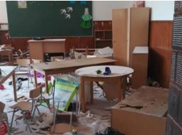 """(Foto/Video) Alexandru Negrea: """"Cea mai tare știre de azi este aia cu cei trei copii din Clejani, de 8, 9 și 10 ani, care au distrus complet cinci săli de clasă, cancelaria, holul și baia din școala locală.  Primarul din comună a spus că au tăiat gardul școlii ca să intre în curte, după care au ..."""" 3"""