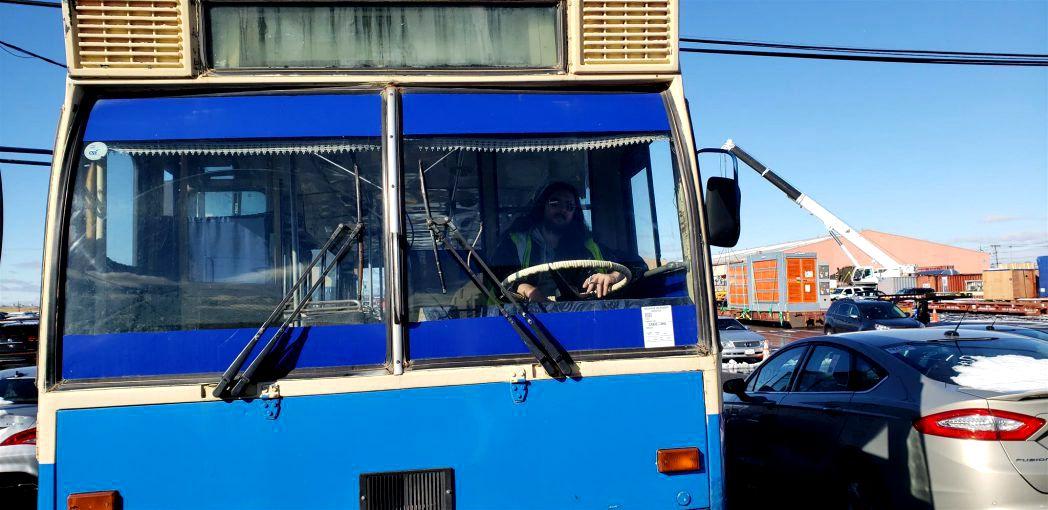 """(Foto) Ultimul autobuz DAC a ajuns la New York. Un militar american cu origini românești a plătit o avere pentru el. """"Mulți râdeau de mine pentru că devenisem mai român decât erau ei"""" 2"""