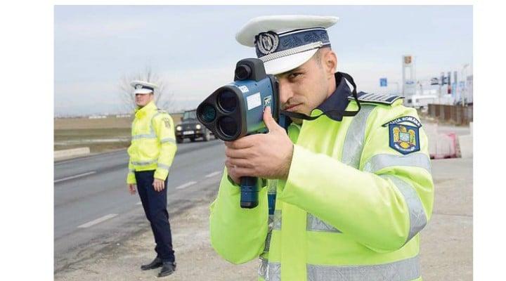 INTERZIS Poliția nu va mai sta la pândă cu radarele să vâneze șoferii. Totul la vedere. Este o idee bună? 1