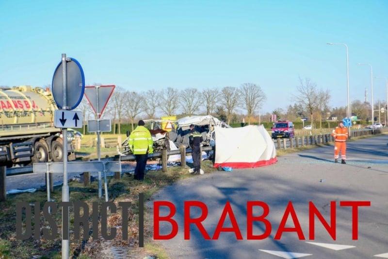 (Foto) Tragedie. 5 români au murit și alți 4 au fost răniți într-un grav accident de circulație produs în Olanda 3