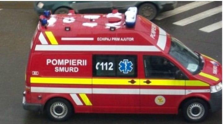 """Supermarket din România, 120 de perosane evacuate de urgență, din cauza unui """"miros persistent"""". 8 persoane prezintă greţuri şi ameţeli. Ce spune ISU 1"""