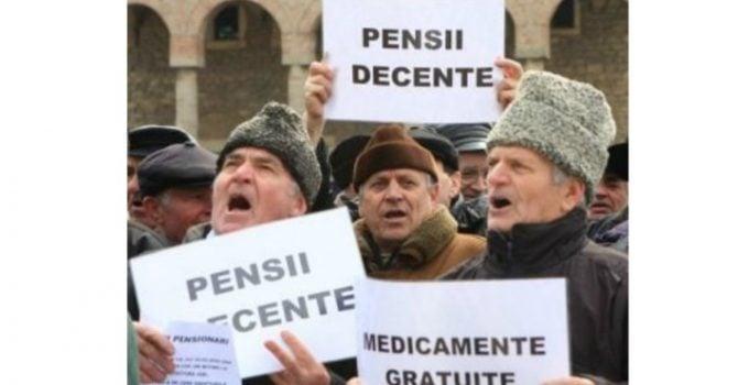 """Și românii din Diaspora obligați să plătească pensii de sprijin pentru părinţii şi bunicii rămaşi în ţară. Dacă nu, închisoare. Dan Alexe: """"În Italia există acei bamboccioni (bebeluși adulți, """"bebelăi""""), adulţi de peste 30 de ani, care continuă să locuiască cu părinţii, uneori cu forța, refuzând să plece. Recent, niște părinți, în Italia, au câștigat procesul cu băiatul lor de 40 de ani care nu voia, pur si simplu, să plece de acasă, unde mânca gratis și îi teroriza că ..."""" 2"""