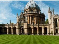 """Liceul de stat din România de unde elevii pleacă direct la Oxford şi Cambridge. """"Acum 4 ani nu mă gândeam că o să fiu admis la Oxford. Mi-ar plăcea să rămân acolo şi să lucrez în cercetare. Eu cred că ..."""" 7"""