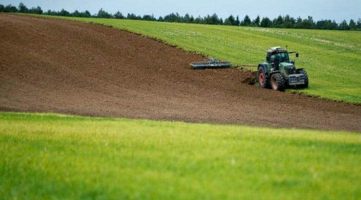 Record! Preţul unui hectar de teren agricol în România ajunge la 60.000 de euro 1