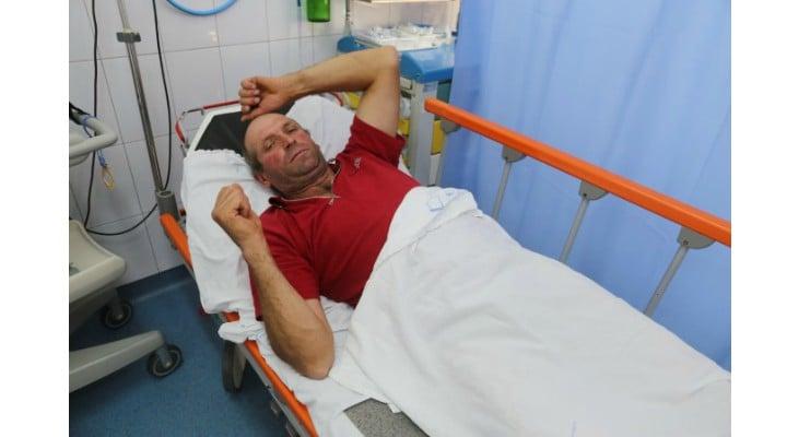 Un bărbat din România susţine că a fost atacat de 8 urşi când mergea pe bicicletă 1