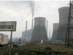 """Traian Băsescu: """"Greu de imaginat cât pot fi de incompetenţi ! Era greu de imaginat că în iarna anului 2018-2019 un mare complex energetic cum este cel de la Rovinari ar putea trece la reducerea producţiei de energie electrică prin oprirea unui grup energetic, urmare a lipsei cărbunelui din depozite . Mai mult ..."""" 5"""