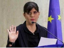 Laura Codruţa Kovesi, la aeroport. Pleacă spre Bruxelles pentru concursul la şefia de procuror şef al Parchetului European 9