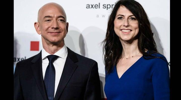 """Lucian Mindruta: """"Jeff Bezos, fondatorul Amazon, divorțează. De împărățit sunt peste 140 de miliarde de dolari, doar din acțiunile lui la companie.  Are patru copii, deci daca mama ia jumătate (si e foarte posibil sa ia), fiecare odrasla va avea măcar 10-15 miliarde de dolari moștenire de la tăticu'... Dedic acest post tuturor pramatiilor din România cu mașini de-o suta de mii de euro, băieți si fete de bani gata, care cred ca ..."""" 1"""