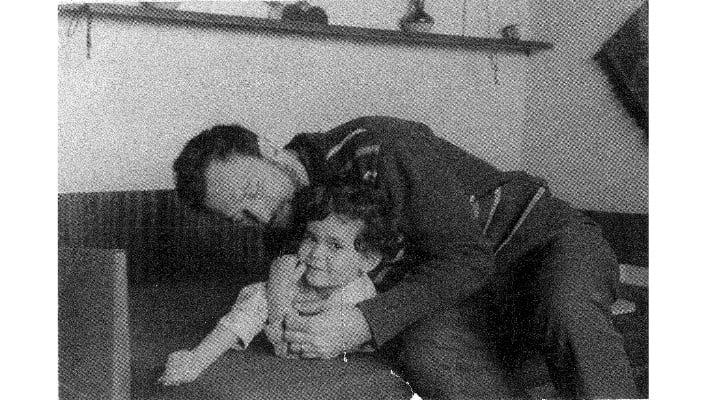 """(Foto) Oana Pellea: """"Mama si Tata. S-au logodit in fata lui Dumnezeu in 13 septembrie 1958 la Craiova. Au trait o iubire de poveste, s-au adorat si s-au respectat. Au fost ..."""" 1"""