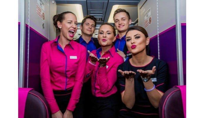 Angajări la Wizz Air în 7 orașe din România! Compania aeriană recrutează însoţitori de zbor. Vezi condițiile: 3