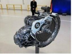 (Foto) În România. Noua cutie de viteze automată în opt trepte 8G Duble Clutch Transmission se produce începând de săptămâna trecută, la fabrica Daimler 21